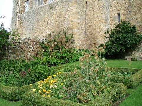 medieval-gardens